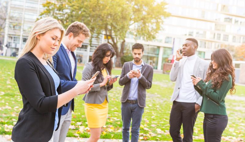 ¿Cómo puedo ahorrar costes en mis comunicaciones telefónicas y móviles?